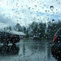 Сквозь капли дождя... :: Ольга Мореходова