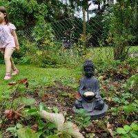 Девочка и Будда :: Валерий Розенталь
