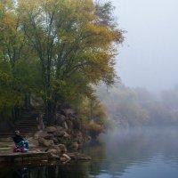 Рыбак и туман :: Artem Zelenyuk