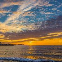Закат и море... :: Александр Пушкарёв
