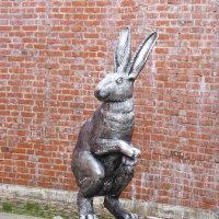 Скульптура зайца на территории Петропавловской крепости, Санкт-Петербург. :: Galina Leskova