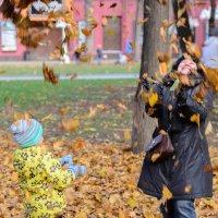 рады листопад и стар и млад... :: Svetlana AS