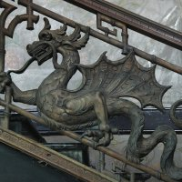 Перила парадной (чугунной) лестницы с драконами :: Елена Павлова (Смолова)