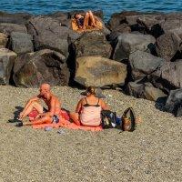 На диком пляже.. :: Виктор Льготин