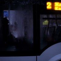 Холодный утренний троллейбус :: Ольга Нарышкова