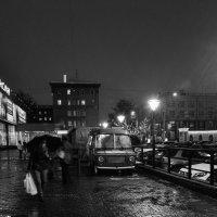 Ночь, снег, кофейня на колесах :: cfysx