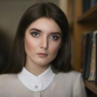 Девушка и книги :: Алекс Римский