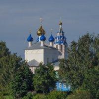 Церковь на берегу Волги :: Сергей Тагиров