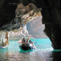 В Голубой пещере :: Николай Ярёменко