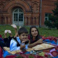 Пикник в усадьбе Покровское-Стрешнево :: Нина