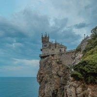 Ласточкино гнездо :: Roman Dergunov