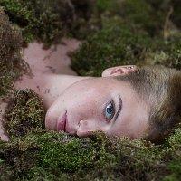 Сливаясь с природой :: Александра
