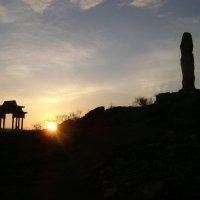 Тувинский закат. Язычество и буддизм :: Марина Домосилецкая