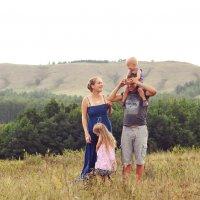 Семья на природе :: Яна Иньская