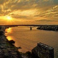 Закат на реке :: Виктор Заморков