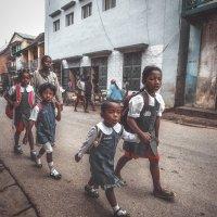 Утром, улочками Антананариву...Мадагаскар! :: Александр Вивчарик