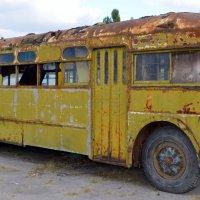 Старый автобус :: Ростислав
