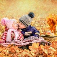 Осень в парке. Детки - конфетки :: Tatsiana Latushko