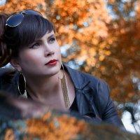 Осень, девушка, машина... :: Райская птица Бородина