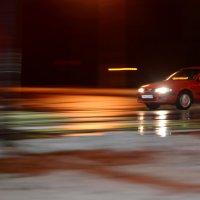Движущийся транспорт в тёмное время суток :: Марина Романова