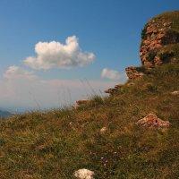 Гумбаши. Скалистый хребет. Высота около 2200м. :: Vladimir 070549