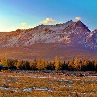 Горы в закатных лучах :: Анатолий Иргл