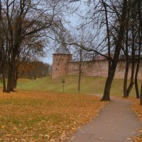 Осень в Новгородском кремле :: Татьяна