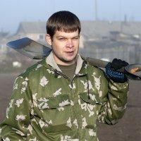 Снимаю стресс лопатой... :: Дмитрий Петренко
