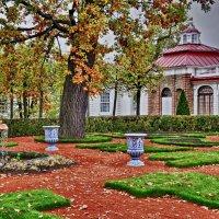 Дворец Монплезир в Петергофе. :: Марина Волкова