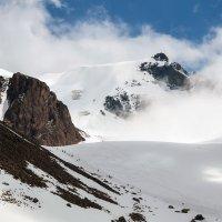 Альпинисты - горы - небо :: Горный турист Иван Иванов