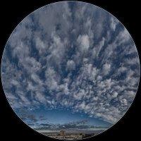 Облачный салют над городом :: Сандродед