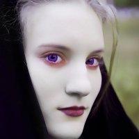 Юная вампирша :: Николай Осипенко