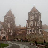Замок Мир. Туман :: Елена Павлова (Смолова)