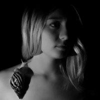 Портрет с улиткой. :: Ирина Афонасенко