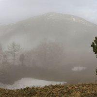В горах, где танцуют туманы 6 :: Сергей Жуков