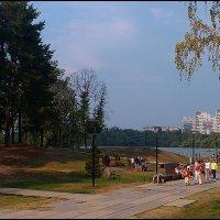 На прогулке в парке :: Самохвалова Зинаида