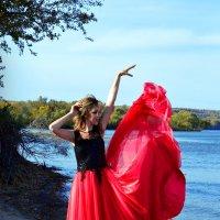 Поиграли с платьем с Анастасией :: Кристина Милославская
