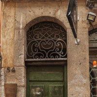 Лион. Старый город.Вход в трабули. :: Надежда Лаптева