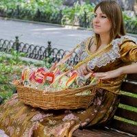 Продавщица сладостей :: Дмитрий Сиялов