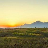 Бештау в апельсиновом  закате... :: ФотоЛюбка *