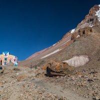Вид на Казбек из альп лагеря Метео ( 3 650 м ) :: Вячеслав Шувалов