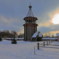 Колокольня Покровской церкви. :: Александр Алексеенко