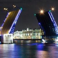 Дворцовый мост. :: Станислав Хохолков