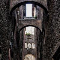 narrow street :: Dmitry Ozersky
