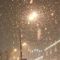 а снег идет.... :: Елена Аксамит