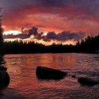 Река Охта у порога Кивиристи :: Валерий Толмачев