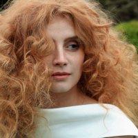 рыжеволосая богиня :: Наталья Сазонова