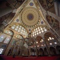 Интерьер мечети Михримах султан в Стамбуле. Творение Синана :: Ирина Лепнёва