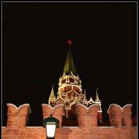 Кремлёвская стена и Троицкая башня :: Михаил Малец