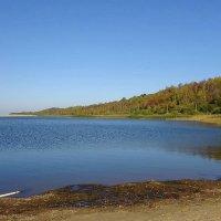 Озеро на берегу моря :: Маргарита Батырева